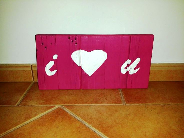 recycled pallet I LOVE YOU wall art