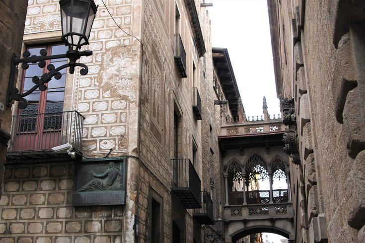 What to see in Barcelona? Barri Gòtic!