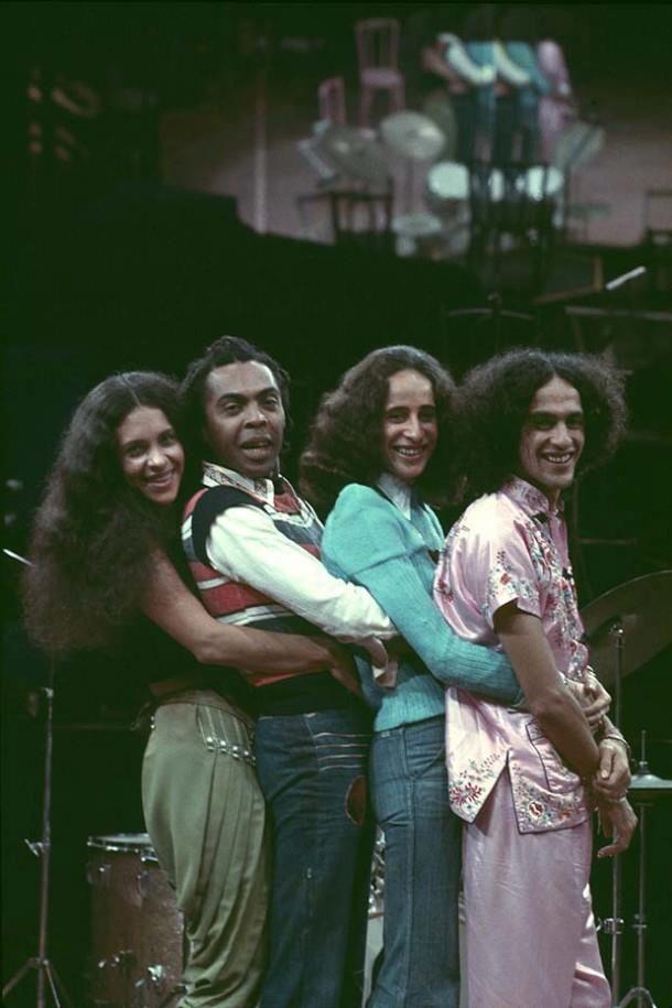 Gal Costa, Gilberto Gil, Maria Bethânia e Caetano Veloso - Os Doces Bárbaros