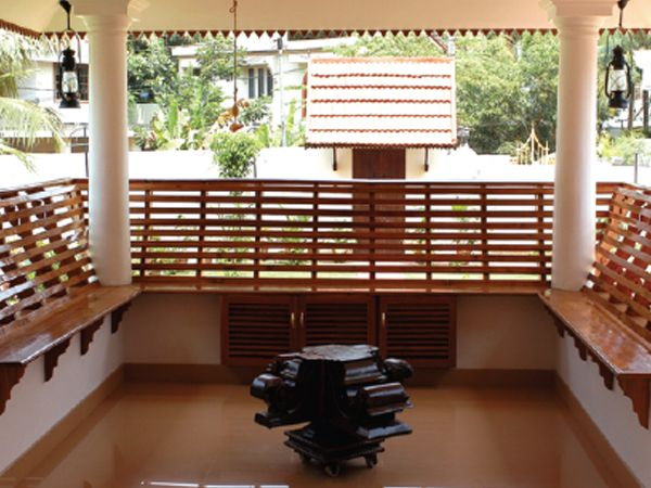 Charupadi is a feature seen in old palaces in kerala for Verandah designs in india