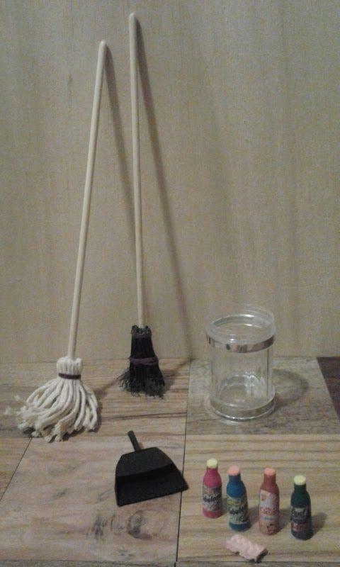Cómo hacer herramientas de limpieza en miniatura   -   How to Make Doll Cleaning Supplies