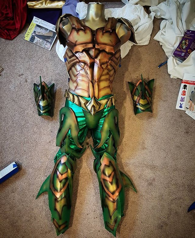 Needs some tweaking to the fit before I can post some good photos of me wearing it. But here is the aquaman costume 99% complete.  Shin armor is turned to the side to show the fins on the back..... really hope I can pull off this look. Nervous .... #aquaman #jasonmomoa #justiceleague #atlantis #mera #cosplay #underrated #aquamanisabadass