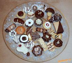 VÁNOČNÍ CUKROVÍ - Několik receptů z mého vánočního cukroví 2013