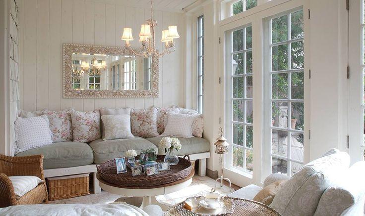 Стиль прованс в интерьере. Прованс – слегка выцветшие поверхности, пастельная палитра, натуральное дерево, растительный и клетчатый принт. Чаще всего в этом стиле оформляют гостиные, кухни и спальни.