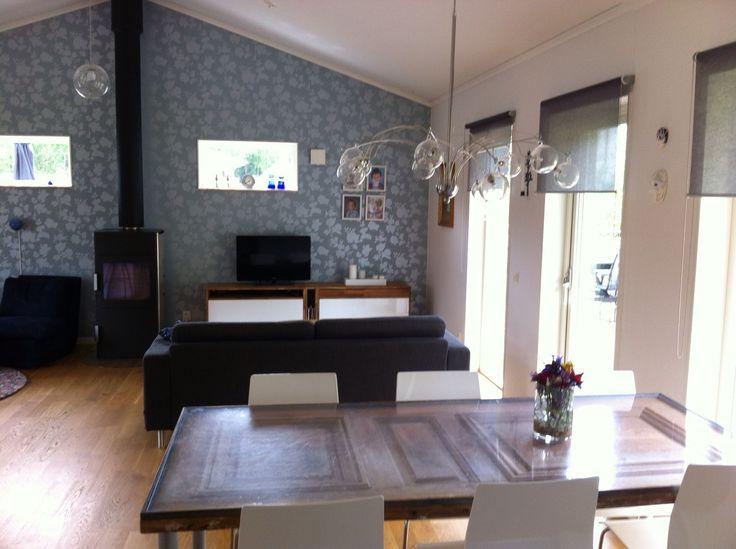 Livingroom and kitschen