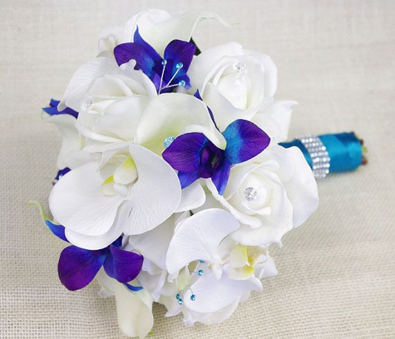 Mariage Bouquet avec large de Roses blanches, bleues violettes et blanches des orchidées, de soie et de Callas - Natural touchent de Bouquet de fleurs en soie - Turquoise Teal