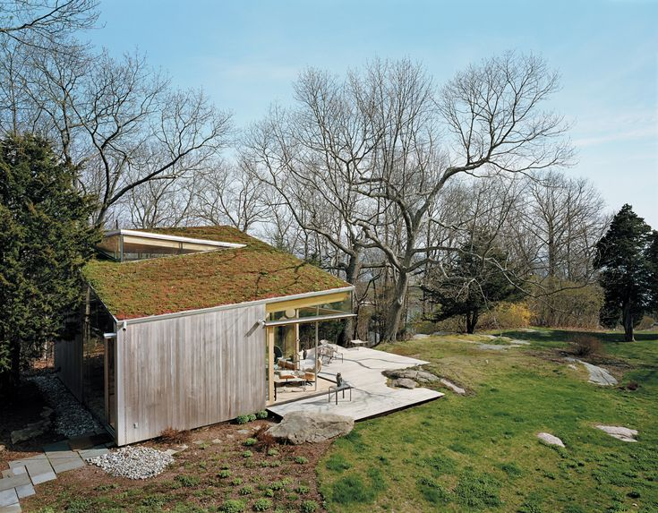 guilford-cottage-exterior-green-roof