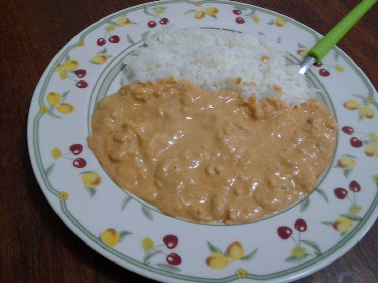 Aprenda a preparar a receita de Estrogonofe de camarão
