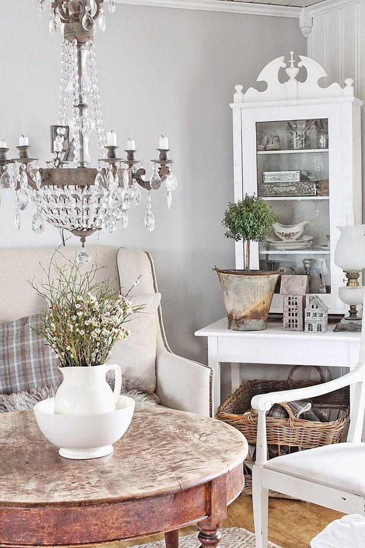 VIBEKE DESIGN - beautiful chandelier