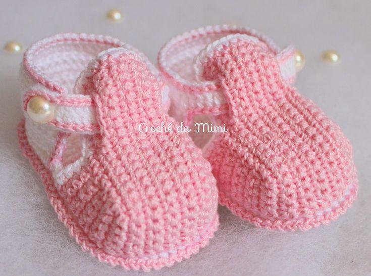 Olá pessoal!!!!!!Olha que belezinha este sapatinho de crochê!!!!!Sempre quis fazer este modelo, tinha até o gráfico, mas nunca tive tempo pra sentar e fazer.... Mas quando vi o passo a passo deste sapatinho de crochê feito pela Paula Crochê eu simplesmente não resisti....
