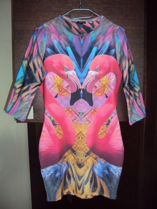 Orginalna sukienka z printem flamingów - vinted.pl