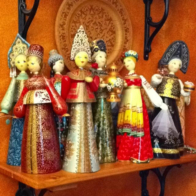 Russian wooden dolls--like the head dresses