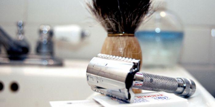 Comment tenir un rasoir de sécurité #rasage #classique #lifestyle #homme #masculin #rasoirdesécurité #merkur
