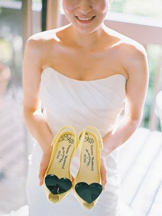 black yellow wedding shoes heart vivienne westwood www.weddingsonline.in