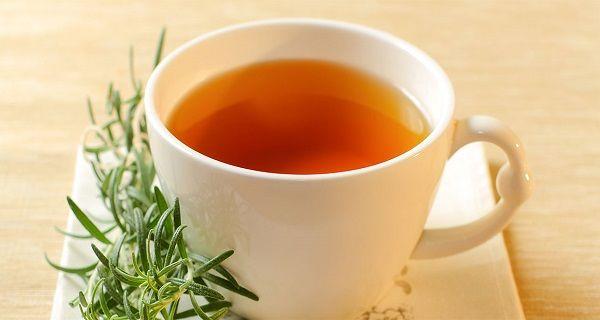 Proč pít denně rozmarýnový čaj?