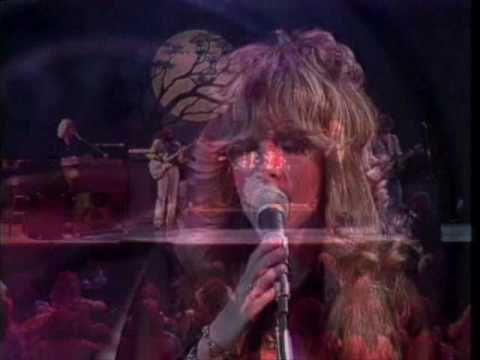 Fleetwood Mac Rhiannon Live 1976 Stevie Nicks...Oh how I wanted to be her when I was sixteen!