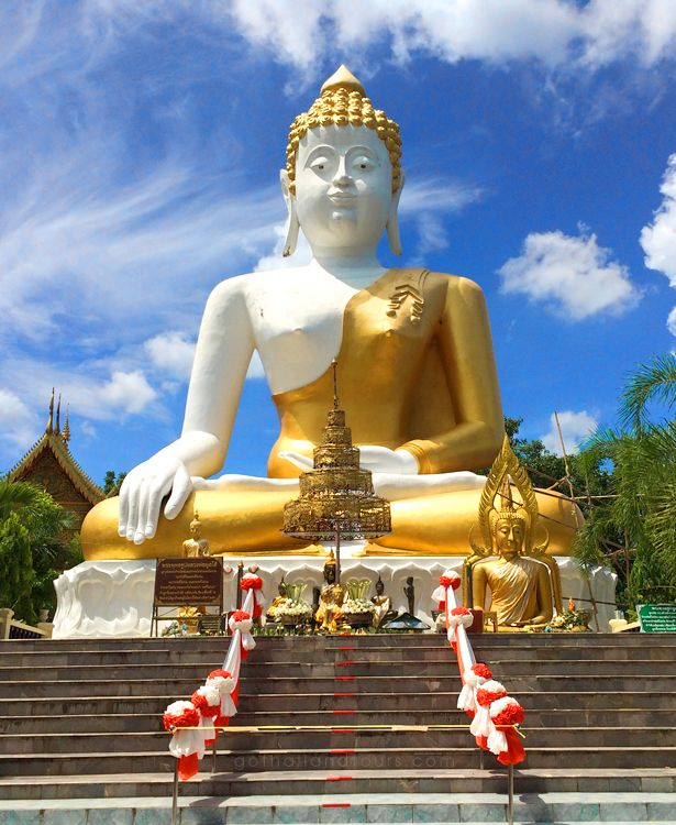 Big Buddha @ Wat Phrathat Doi Kham, Chiang Mai - Thailand