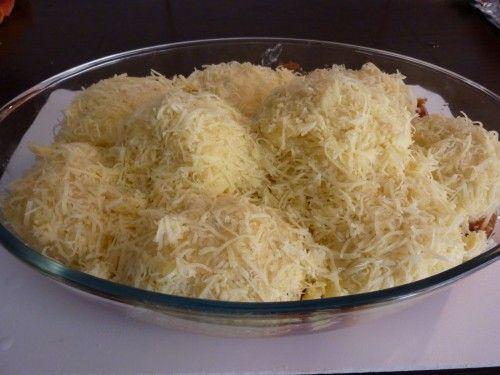 Annyira finom, hogy nem hiányzik mellé hús sem! Mi salátával szoktuk enni, úgy a legfinomabb! Hozzávalók: 1 kg burgonya 75 g vaj 10 dkg reszelt…