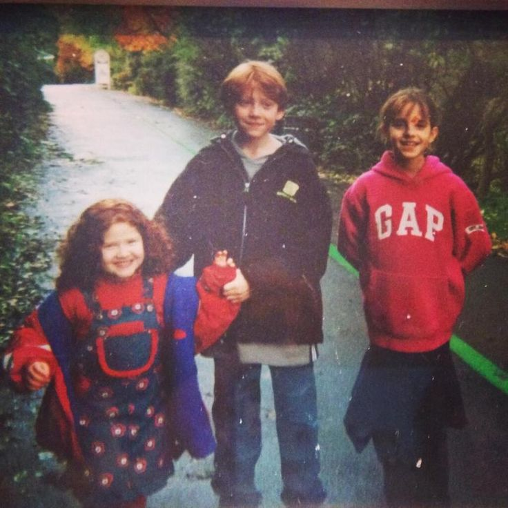 New picture of little Emma Watson with little Rupert Grint posted by Rupert's sister on Twitter.