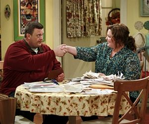 Melissa McCarthy and TV husband Billy Gardell from Mike & Molly