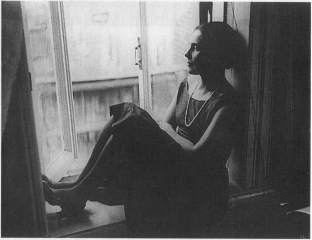 Лиля Брик. В Гендриковом переулке, 1927 год. Фото А. Родченко