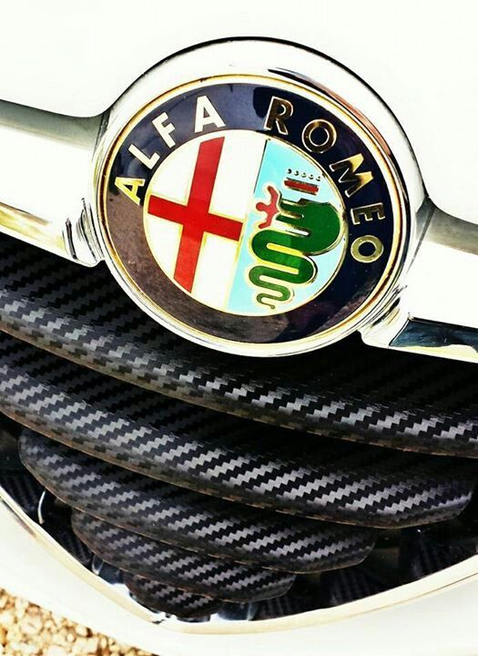 Alfa romeo 147 emblema 7