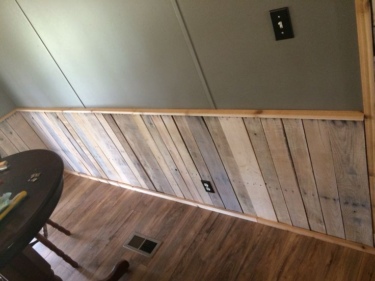 Whitewashed pallet wood wainscoting | Rustic wainscoting ...