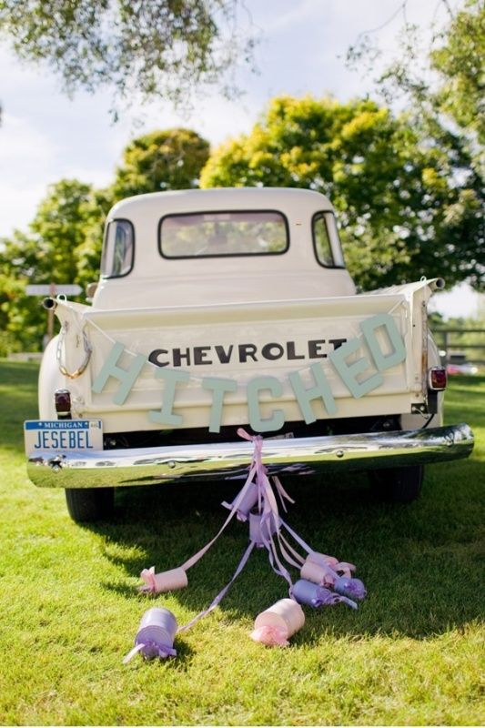 35 Cool And Creative Wedding Getaway Car Decor Ideas - Weddingomania