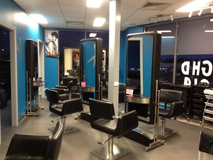 A cosmetic beauty treatment salon - provides Human Hair Extension,Laser Permanent Hair Removal,Waxing,Beauty Treatment,Mens and Ladies Hair Dressing,Body Piercing,Cosmetic Beauty Treatment,Microdermabrasion,Wedding Formal Hair & Make Up services in East Maitland,Sydney,Newcastle,Wollongong . Visit: http://www.janelleshairnbeauty.com/