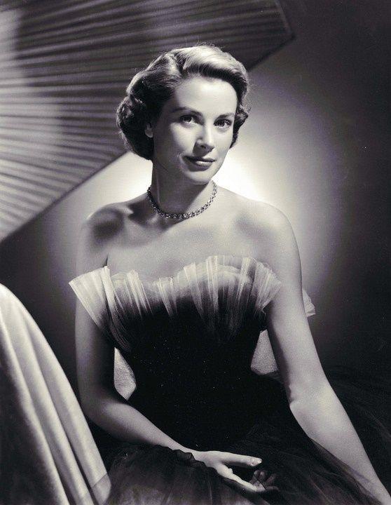 """tra-corone-e-diademi: """"• Foto preferiti della Principessa Grace: {28/50}"""" Grace Kelly"""