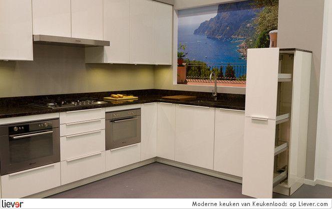 Moderne keuken met apothekers- en carrousselkast http://www.keukenloods.nl/keukens/collectie/info/28?utm_source=Pinterest_medium=social_campaign=showroomkeuken