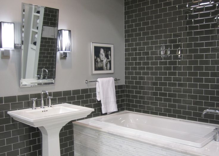 Grey glass subway tile with white marble tub surround for Bathroom ideas subway tile
