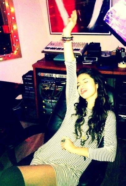 Selena Gomez - Selena Gomez Twitter Pics