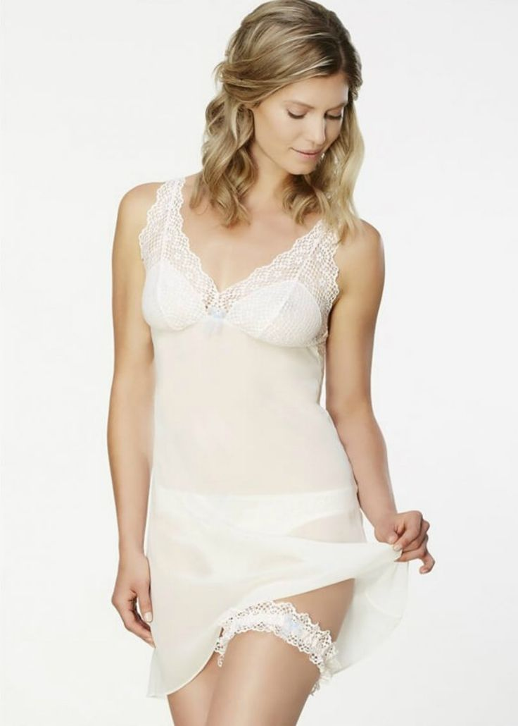 This feminine little number is gorgeous and perfect for a romantic evening or Bride to be and comes with a matching lace garter. It has an elegant flowy bodice and scalloped lace v-neck top. Available in sizes Small-XL.