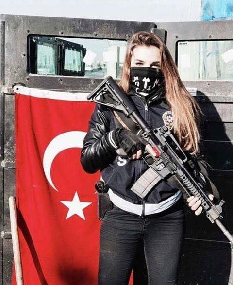 Turanist Turkish female Special Force from Türkiye (Turkey, Middle-Turan)!