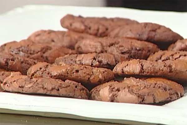 Le merende di Lorenzo Branchetti:  la ricetta dei biscotti al triplo cioccolato