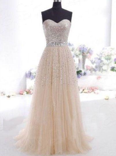 Elegant White Chiffon Floor-Length Wedding Dress