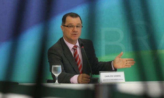 Mensagens apontam ação de ex-ministro Carlos Gabas para OAS - Jornal O Globo