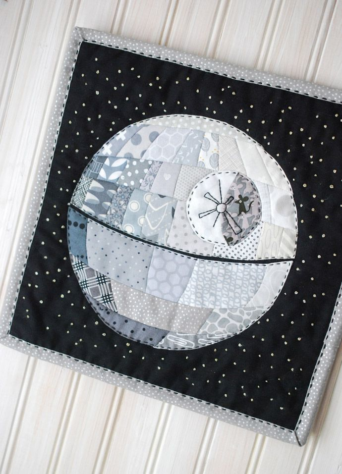 Patchwork Death Star // wild olive - the cutest mini quilt project with a Star Wars theme