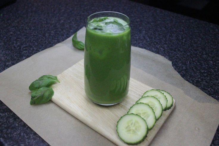 Creamy green energy juice!