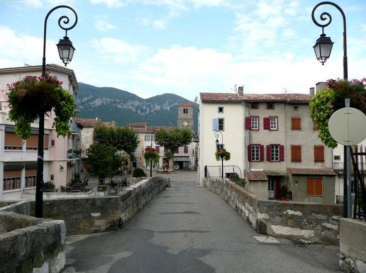 show quillan france map | Entrée par le Pont Vieux à Quillan