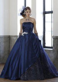 夜空のように輝くネイビーのカラードレス♪ウェディングドレス・花嫁衣装の参考一覧まとめ♪
