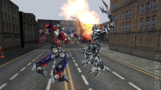 Transformers the game para PSP.Controlar el resultado en la batalla por la Tierra este verano con TRANSFORMERS, el juego oficial de la película.