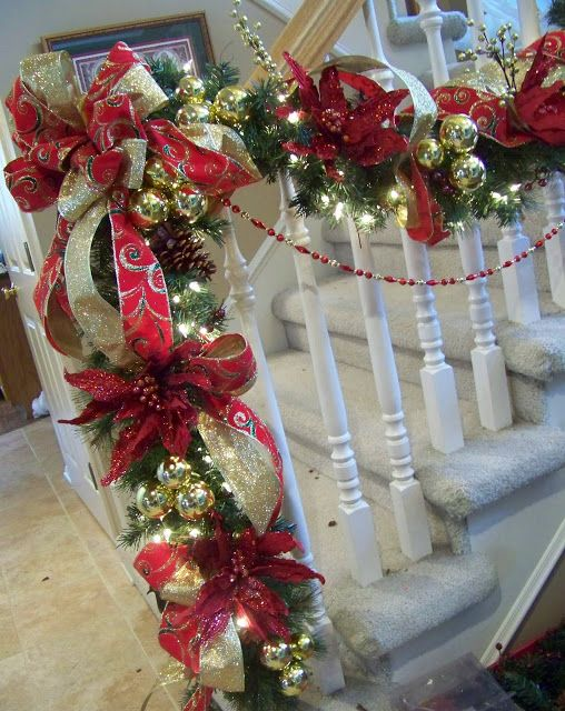 Creations from my heart: A Traditional Red & Green (and gold!) Staircase