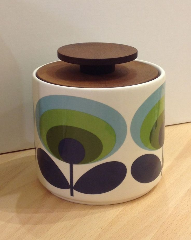 Orla Kiely Jar 1Ltr | 70s Oval Flower | Green from illustratedliving.co.uk