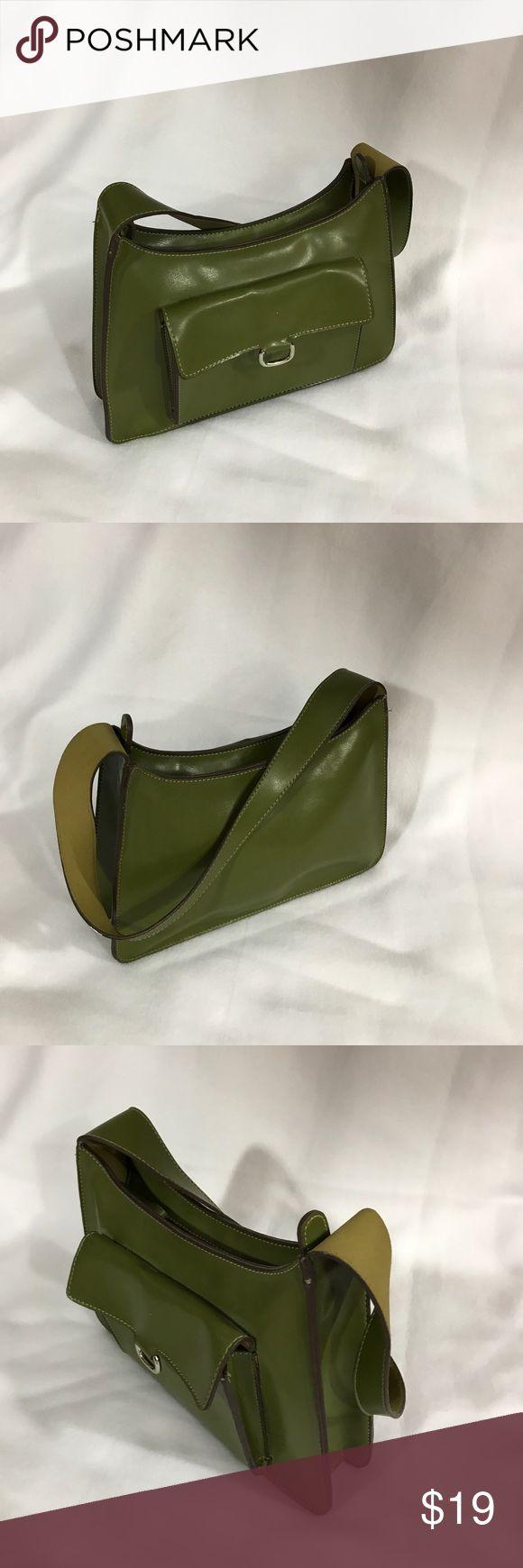 Mondani New York green shoulder bag Mondani New York green shoulder bag with zipper closure and pocket on the front.  In great used condition.  11 x 8 x 2 1/2.     (375) Mondani Bags Shoulder Bags