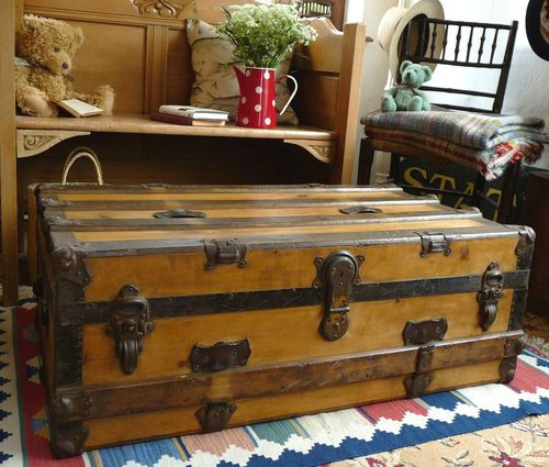 Trunk Coffee Table Pine: 16 Best Images About Old Trunks On Pinterest
