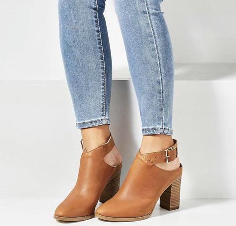 FOOTWEAR – Frankie & Co Clothing