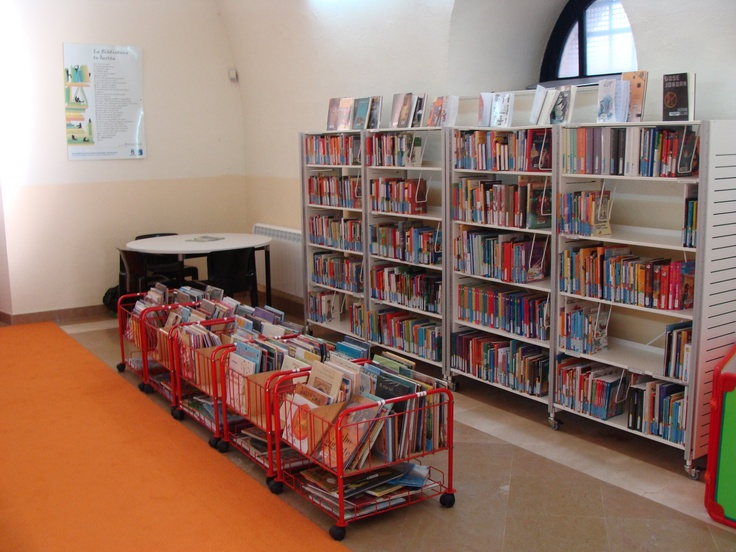 Liburutegia barrutik: Haur eta gazte literatura. La biblioteca por dentro: literatura infantil-juvenil