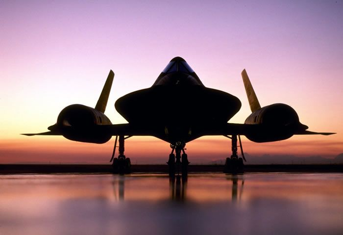 dark silouette of sr-71